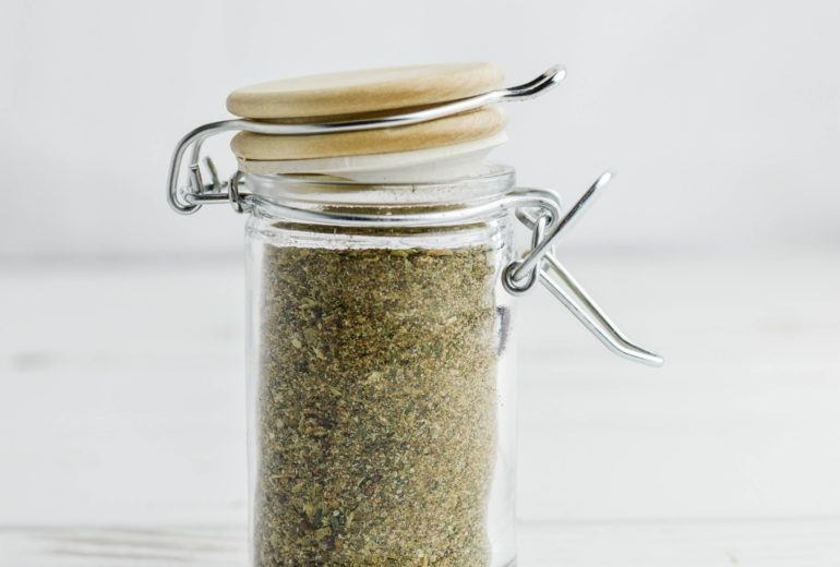 Easy Homemade Greek Seasoning