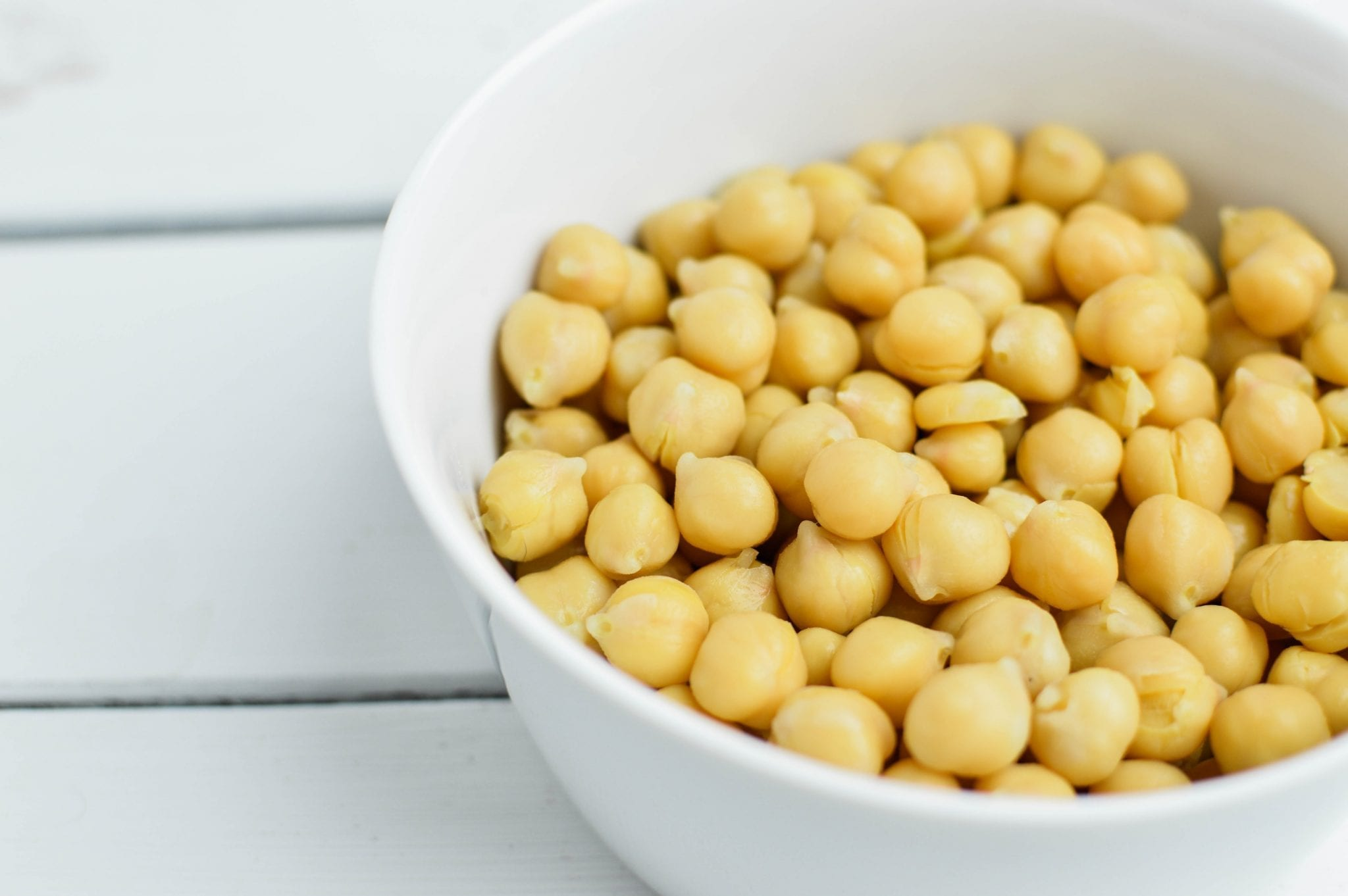Easy and Delicious Crunchy Greek Roasted Chickpeas