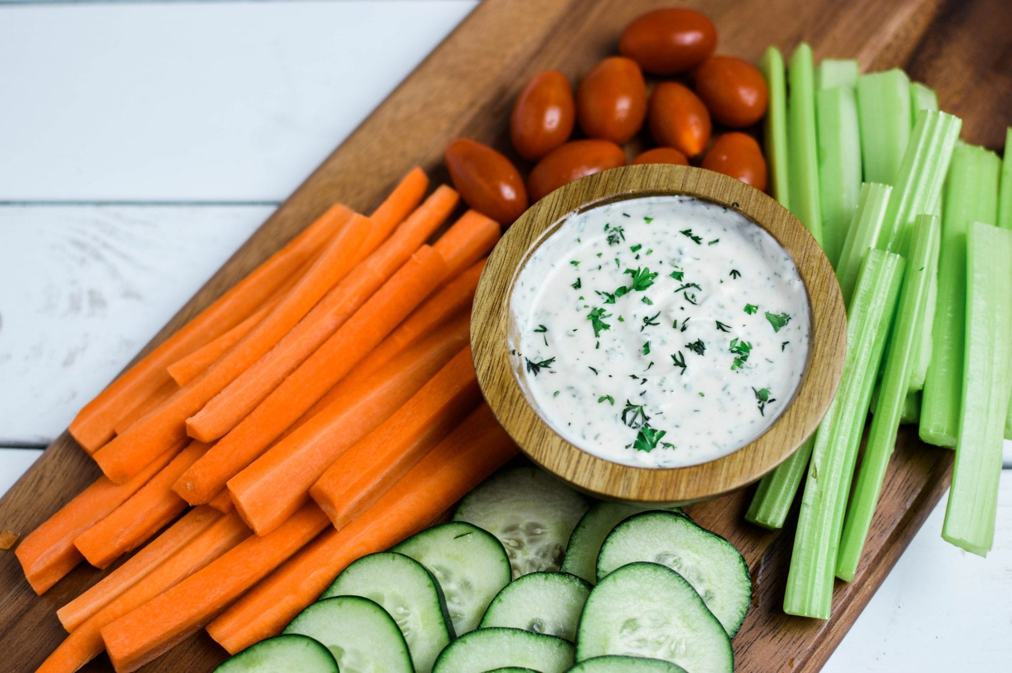 Thick and Creamy Vegan Ranch Sauce
